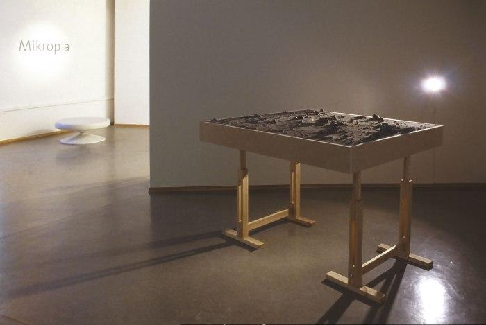 PIA04995 Gusev, Mars. Utstillingen Mikropia på Henie Onstad Kunstsenter 2004.